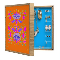 Wall mounted jewelry box